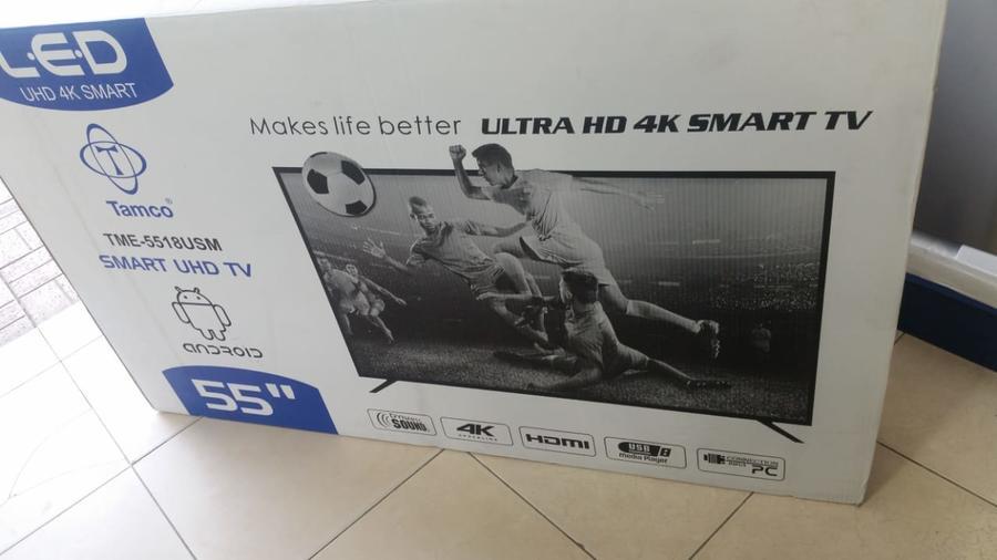 شاشات سمارت واي فاي  4k شامل التوصيل