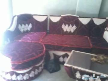 غرف نوم وابواب خشبيه والاثاث الفندقي