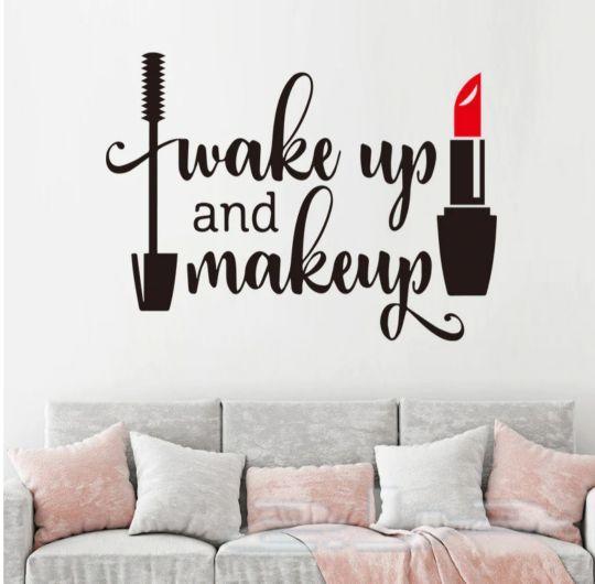 جددي غرفتك سيدتي مع ملصقات جدارية مميزة