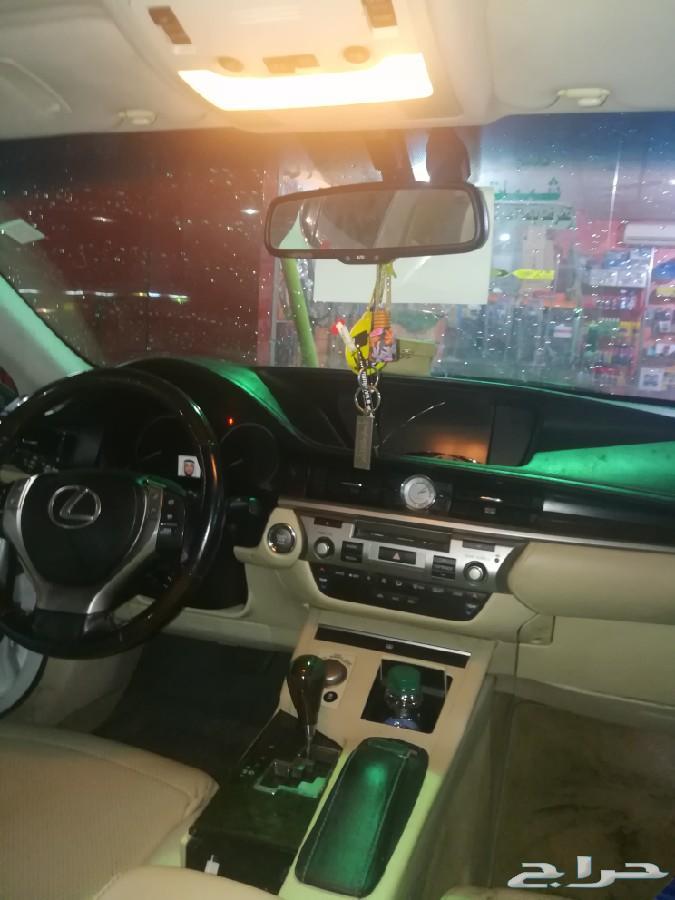 بيع سيارة لكزس Es350 موديل 2015 لون لولي ابيض