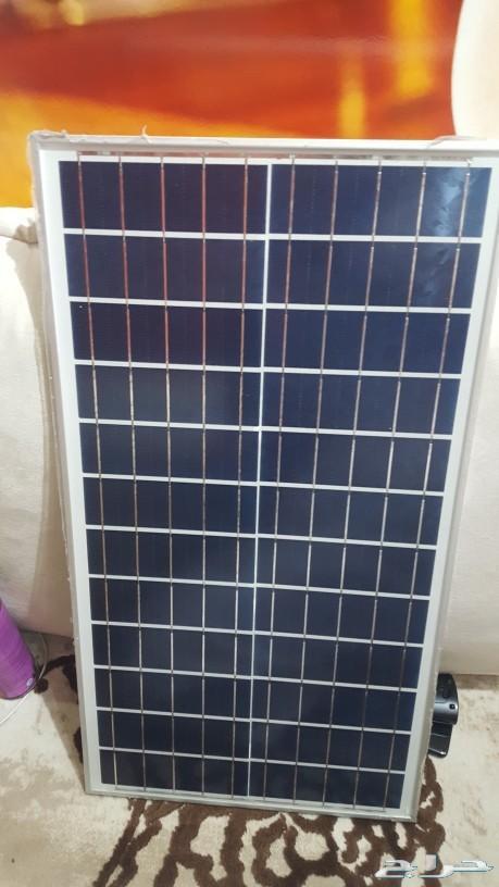 كشاف طاقة شمسية 200 واط