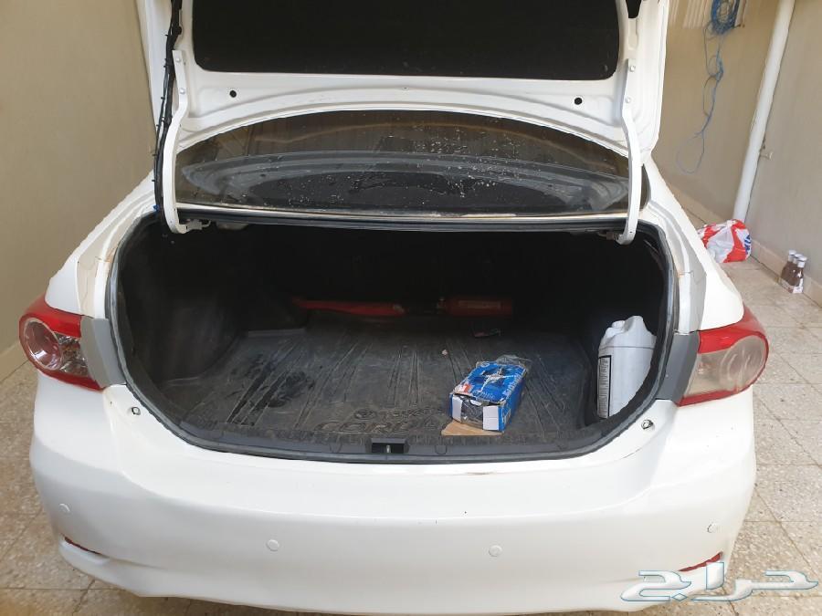 سيارة كورولا 2012 للبيع