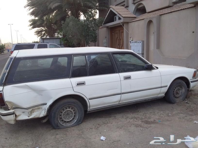 سيارة كروان للبيع او للتشليح