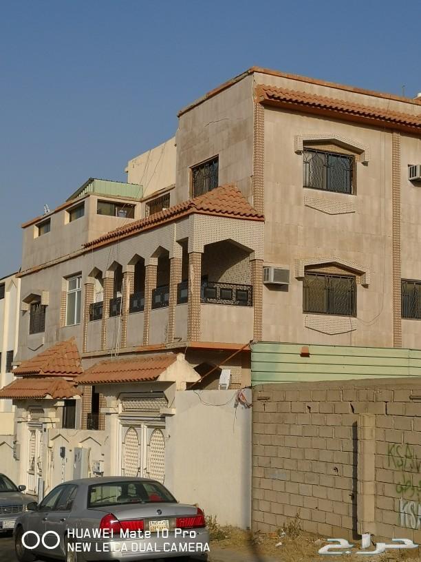 فلة للبيع في حي ام العراد