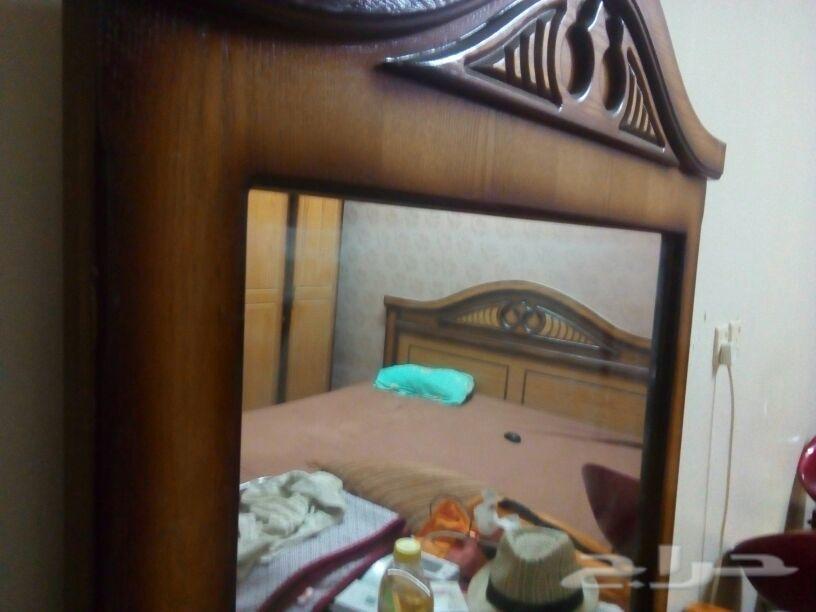 غرفه نوم كامله مع مجلس ارضي