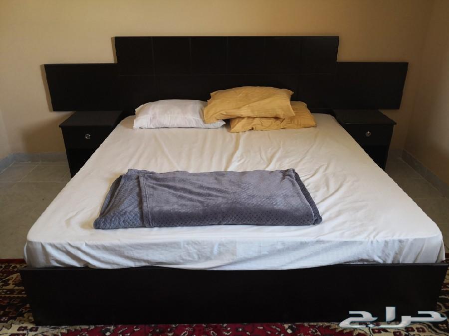 غرفة نوم شبه جديده