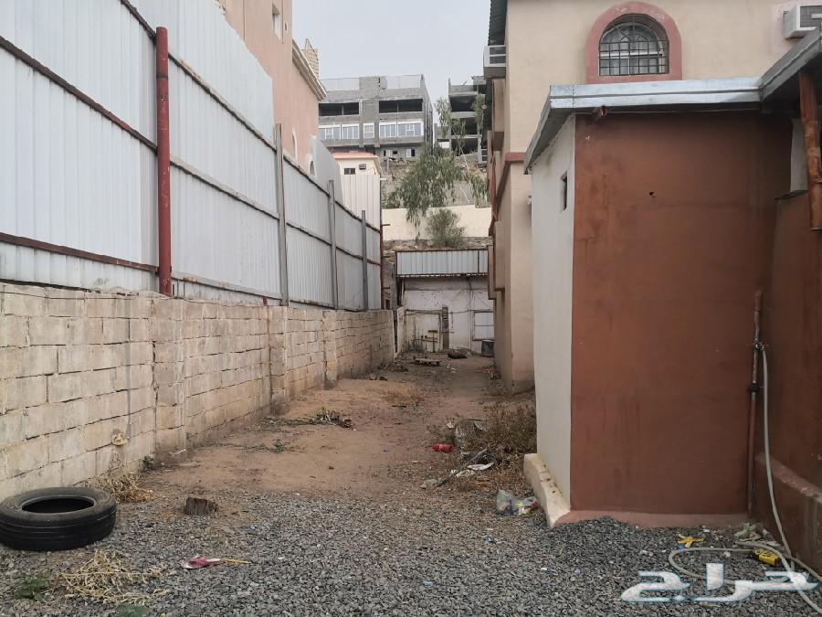 للبيع عمارة بصك شرعي حي القلت بالطائف