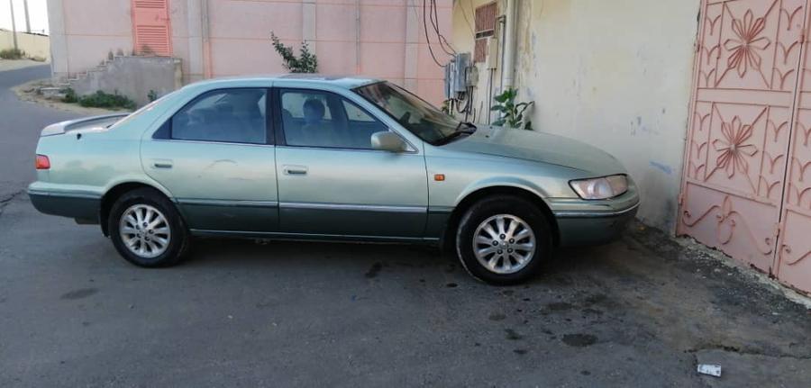 كامري فل كامل 2002للبدل بسيارة عائلية