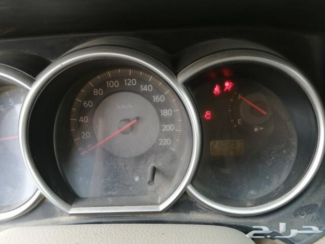 سيارة نيسان تيدا 2006