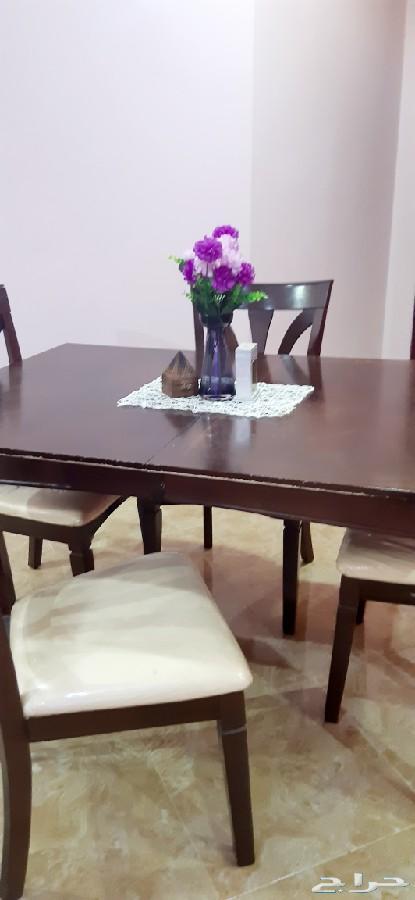 طاوله طعام 4 اشحاص وقابله لتمديد ل6 اشخاص