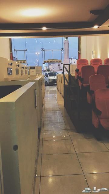 اثاث مقهى ( كوفي شوب ) كامل للبيع سعر تصفية