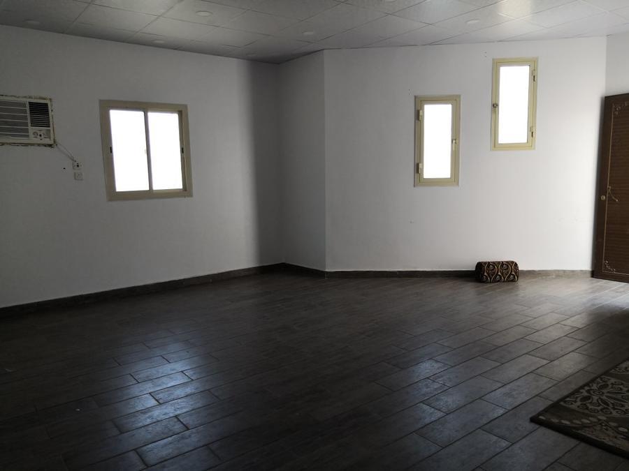 استراحه للإيجار غرفتين وصاله ومطبخ وحمامين