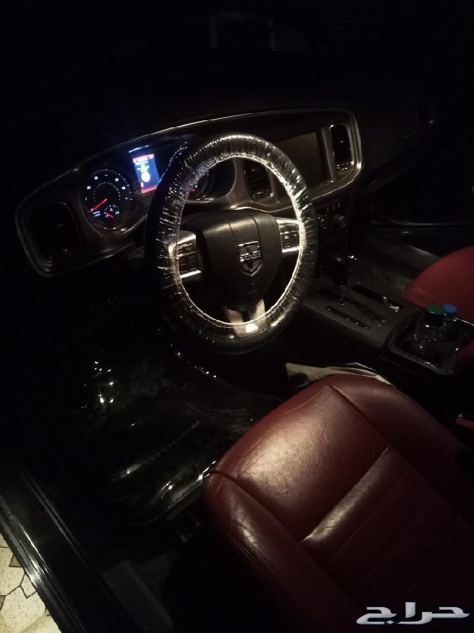 دوج شارجر V8 ماشي140الف كم مديل2012
