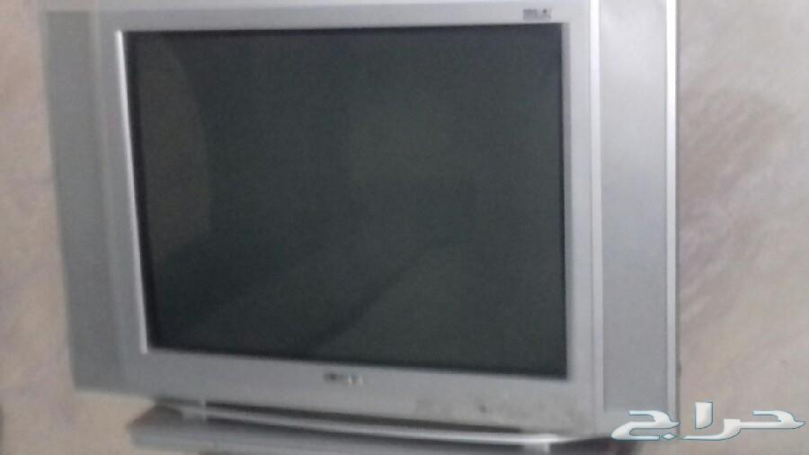 كنب  و مكيف وتلفاز للبيع