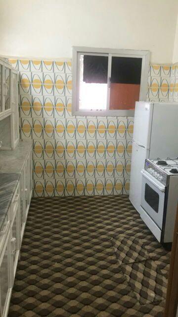شقة 3غرف بمنافعها مفروشة نظيفة جدا