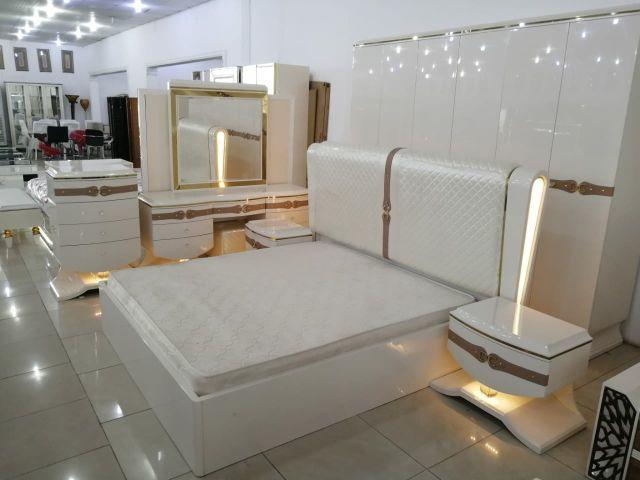 غرف نوم حديثة وانيقة وراقيه بانارة