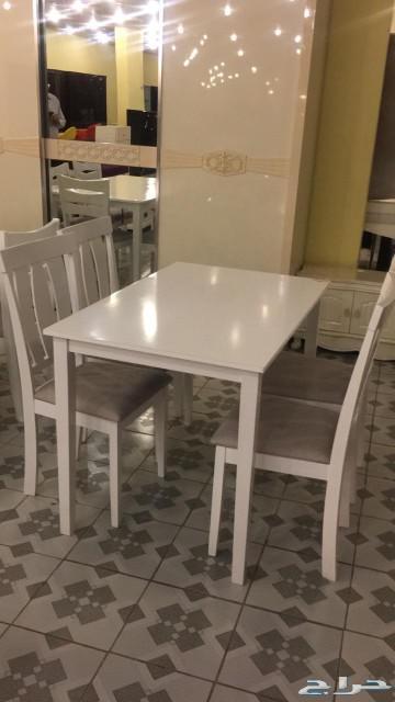 طاولات خشب ماليزي