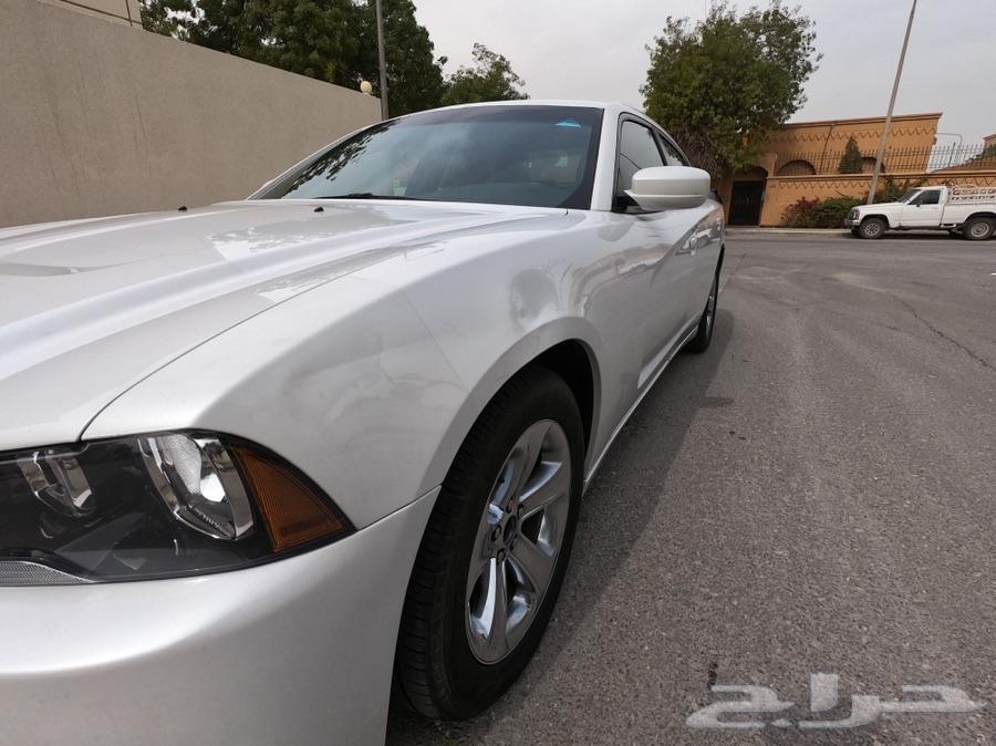 Dodge Charger SXT V6 2014