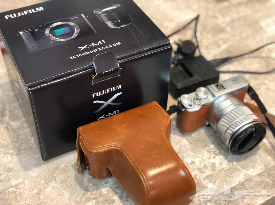 كاميرا fujifilm x-m1 نظيفه جدا جدا جدا