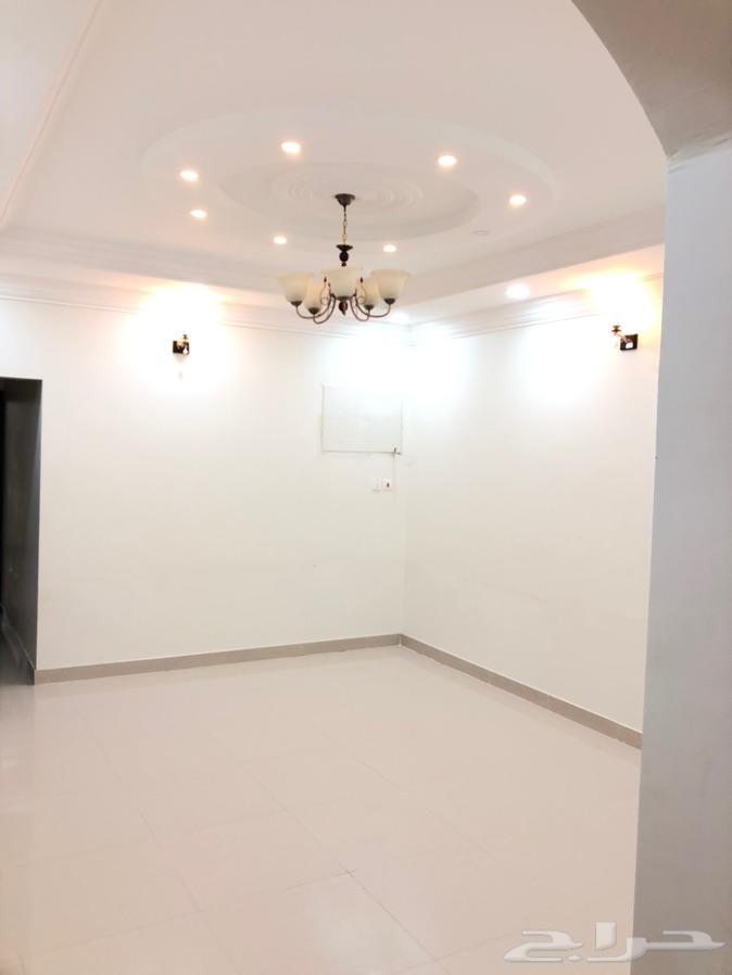 شقة 4 غرف للايجار بحي القلت جديده