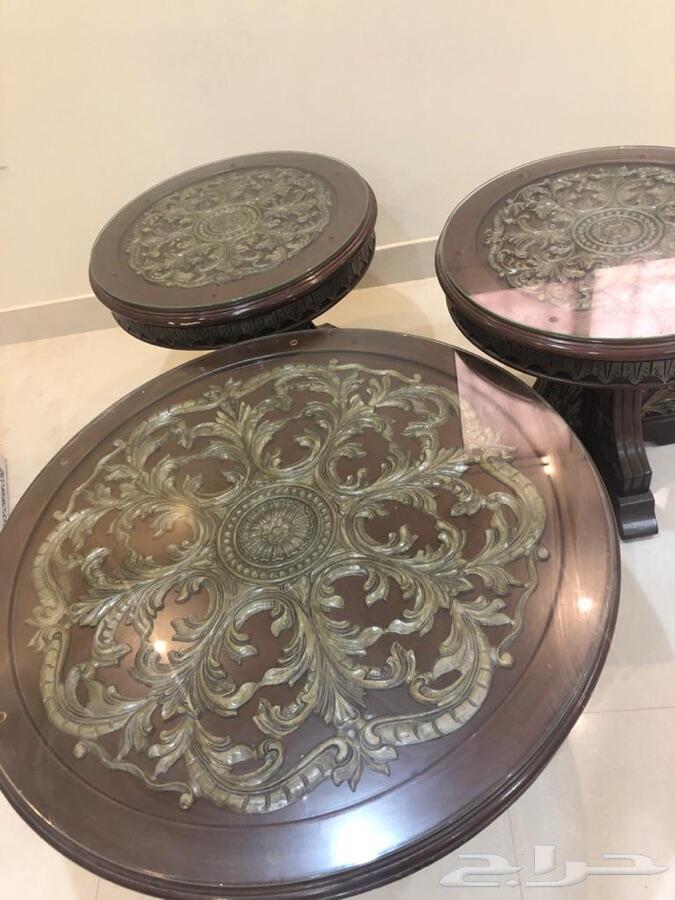 طاولات كلاسيك للبيع اللون بني