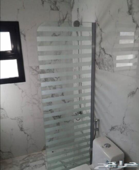 تركيب زجاج سكريت وصيانه الأبواب الزجاج