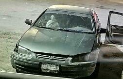 كامري موديل 2000 نظيفه للبيع