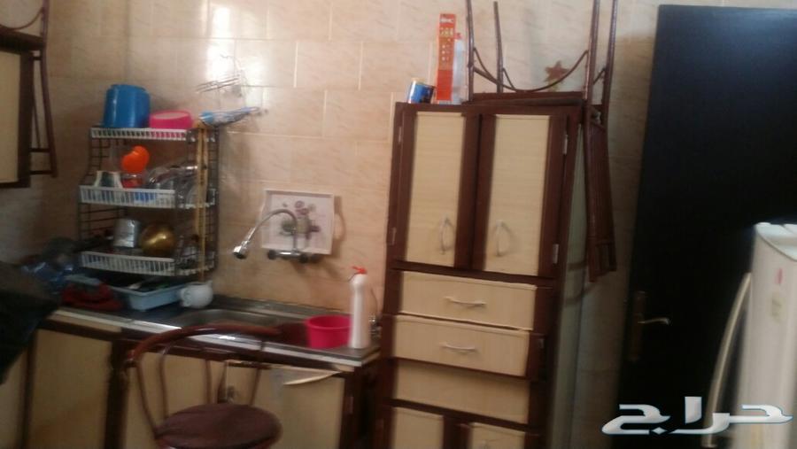 بيع 3 طقوم كنب أحمر وبني ورمادي ومطبخ