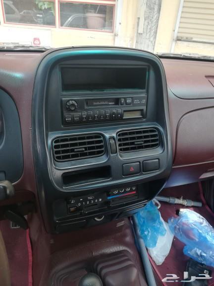 سيارة داتسون غمارتين 2011