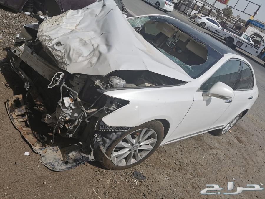 لكزس ES 2012((تشليح لبيع قطع غيار فقط))