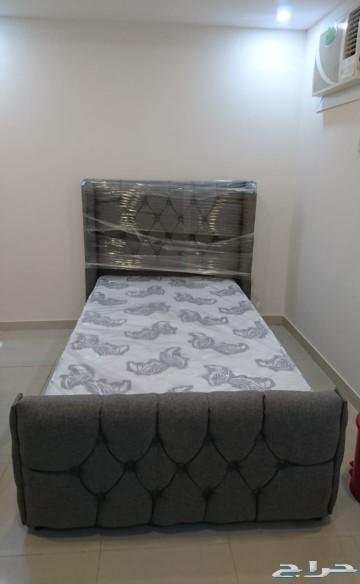 سرير مفرد ونص تفصيل للبيع 450 ريال فقط
