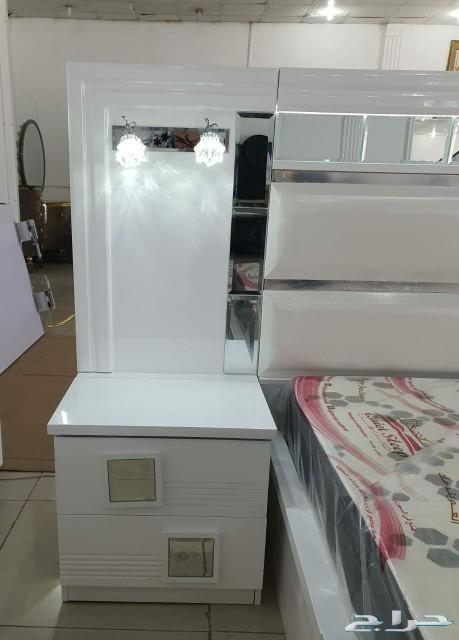 غرفة نوم بيضاء عرايسية فخمة