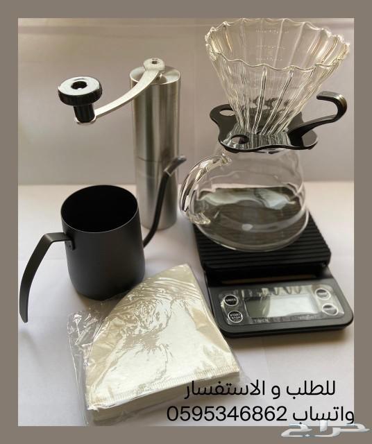 أدوات القهوة المقطرة V60
